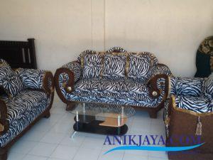 Kursi Sofa King 321 Motif Zebra dengan meja